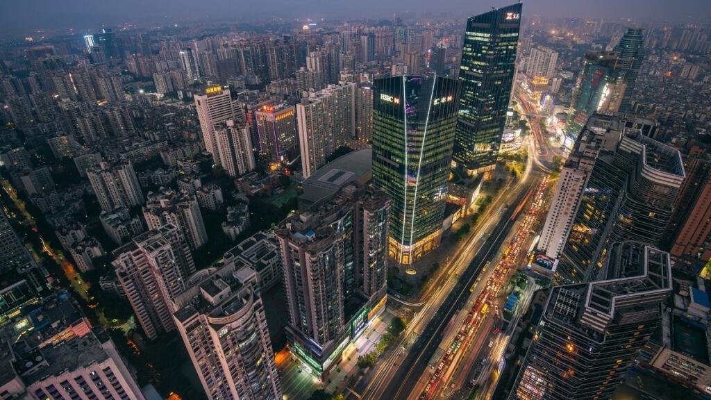 Tianhe road - главная улица для шоппинга в Гуанчжоу